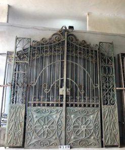 Antieke smeedijzeren poort hxb 328x290 cm-1