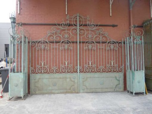 Smeedijzeren poort met zuilen hxb 320x380 cm-1