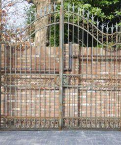 Smeedijzeren poort met zuilen hxb 320x378 cm-1