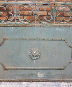Smeedijzeren poort met zuilen hxb 262x311 cm-2