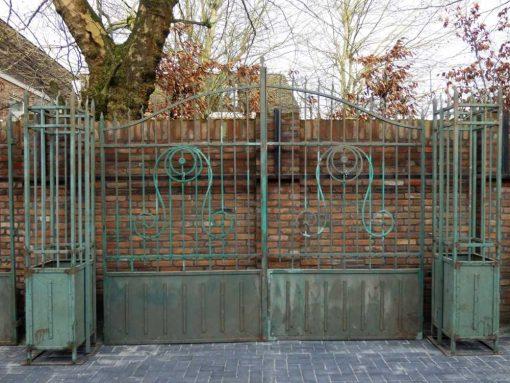 Smeedijzeren poort met zuilen hxb 275x310 cm-1