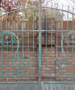 Smeedijzeren poort met zuilen hxb 275x310 cm-2