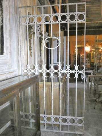 Antieke wit smeedijzeren sier hek-1
