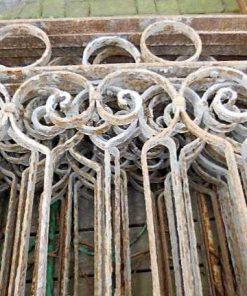 Laag antieke smeedijzeren hekwerk ca 75 cm hoog-2