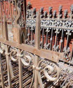 Antiek smeedijzeren hekwerk ca 110 cm hoog-2