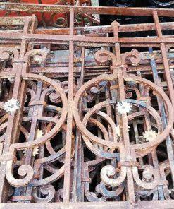 Antique fence-2