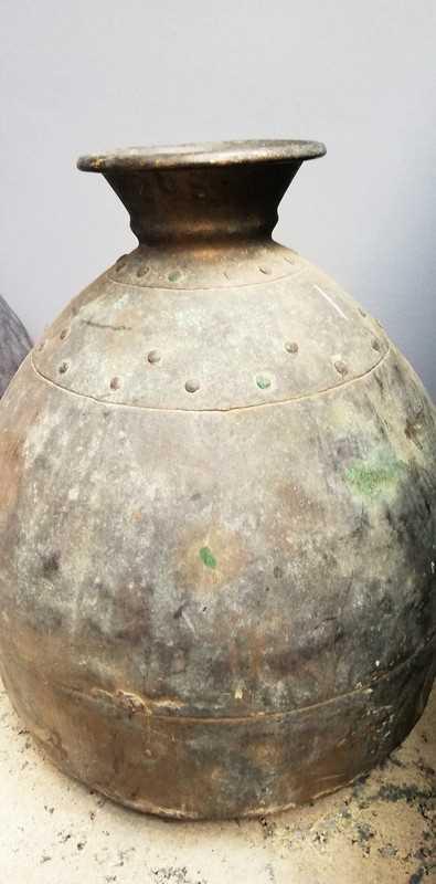Antieke bronzen potten / kruiken-2