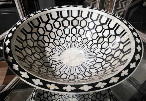 Decorative black/white round dish-2