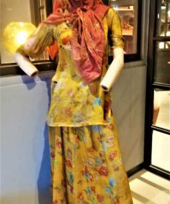 Vintage female mannequin-1