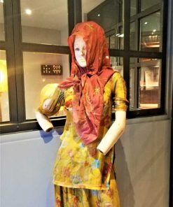 Vintage female mannequin-2