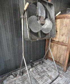 Antieke vintage staande ventilator-2