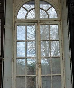 Grote spiegel in kozijn van antieke deur-3