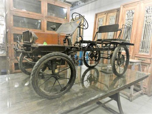 Antieke trap auto-1