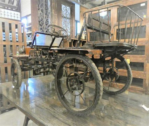 Antieke trap auto-2