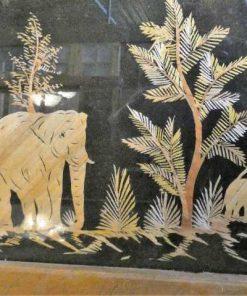 Oude houten lijsten met uit bamboe gesneden tafereel-2