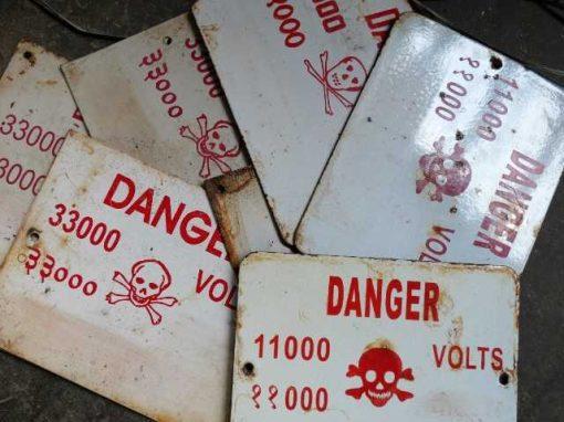 "Emaillen ""Danger""bordjes-1"