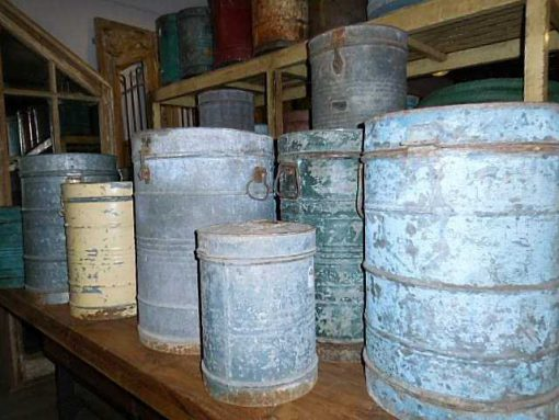 Vintage barrels with lid-2
