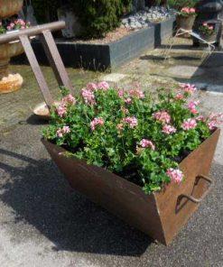 Old decorative iron cart-2