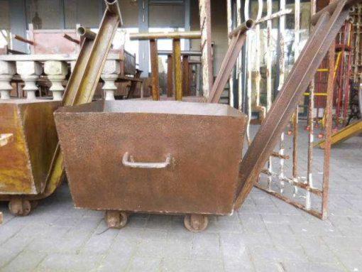 Old decorative iron cart-5