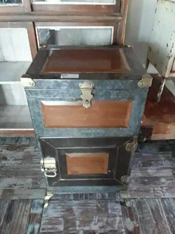 Antique fridge-2