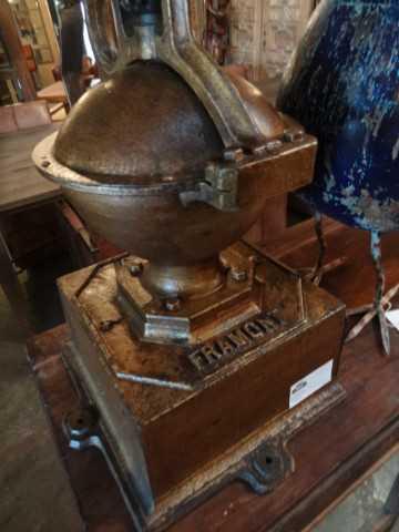 antieke koffiemolen-3