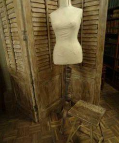 Antique mannequin-1