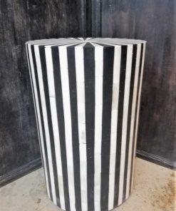 Round black / white table / pillar-2