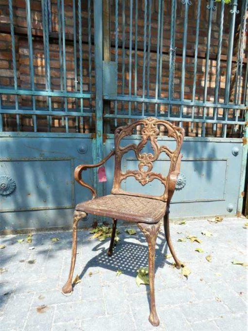 Cast iron chair-1