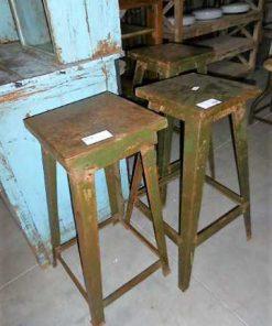Vintage metalen planten tafel / kruk in leger groen-1