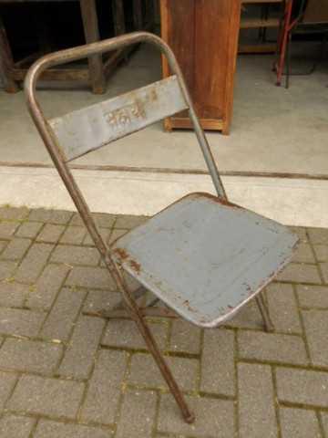 Folding metal chairs-1