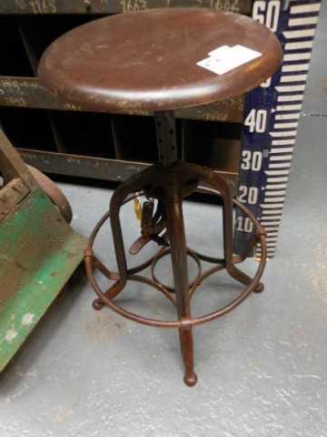 Height adjustable vintage stool-2