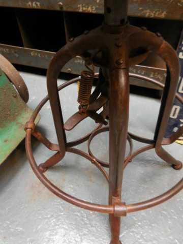 Height adjustable vintage stool-3