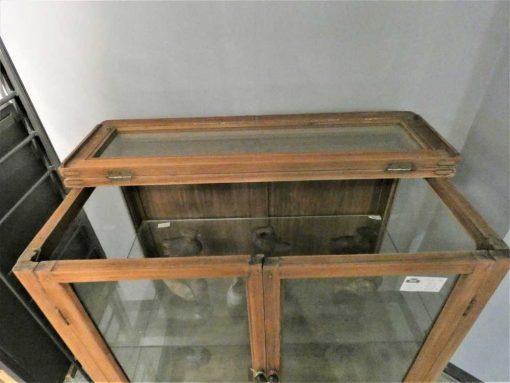 Antieke vitrine kastje lxbxh 93x60x98 cm-4