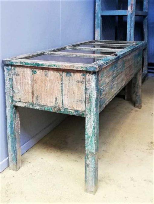 Vintage blauw geschuurde vitrine museum kast-2