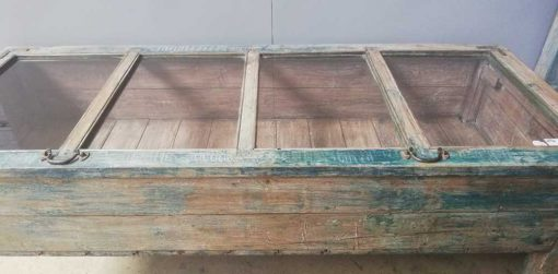 Vintage blauw geschuurde vitrine museum kast-3