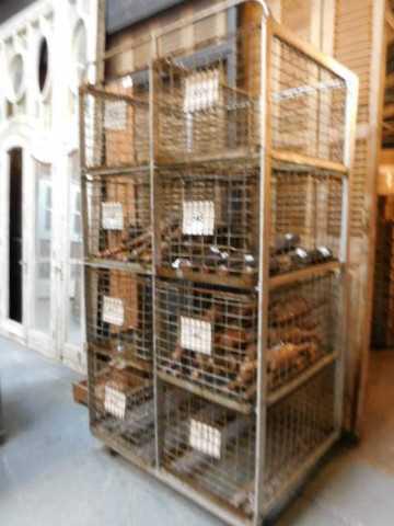Vintage industriële kast / rek met laden van metaal-2
