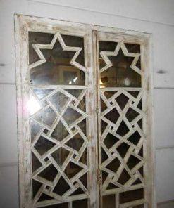 Antieke ramen met spiegels-2