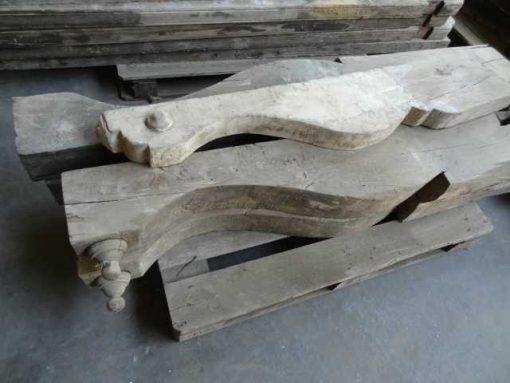 Wooden balcony bearers-2