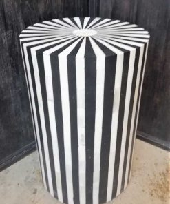 Round black / white sidetable / column-2