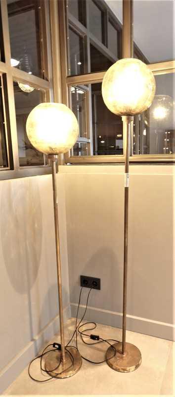 Vintage lampen van brons met gele glazen bol-1
