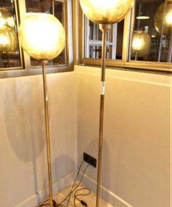 Vintage lampen van brons met gele glazen bol-4
