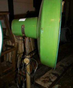 Vintage industriele emaillen groen lamp op standaard-1