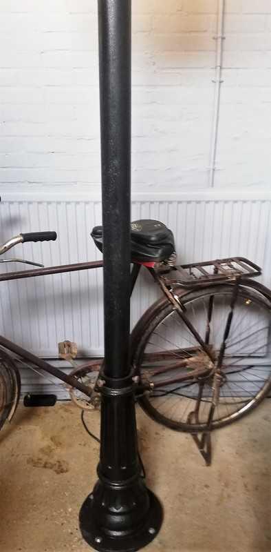 Antique lamppost-3