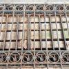 Antieke Smeedijzeren Hekwerk Met 2 Gebogen Stukken - 1