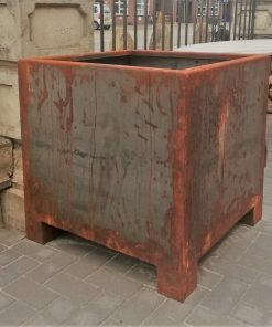 Large Sleek Iron Pots-1