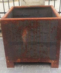 Large Sleek Iron Pots-2