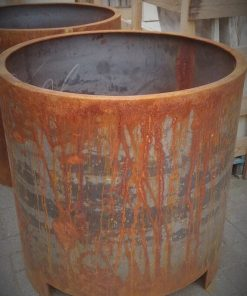 Big Sleek Round Iron Pots-1