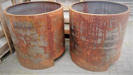 Big Sleek Round Iron Pots-2