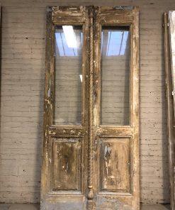 Antieke dubbele deur met glas va