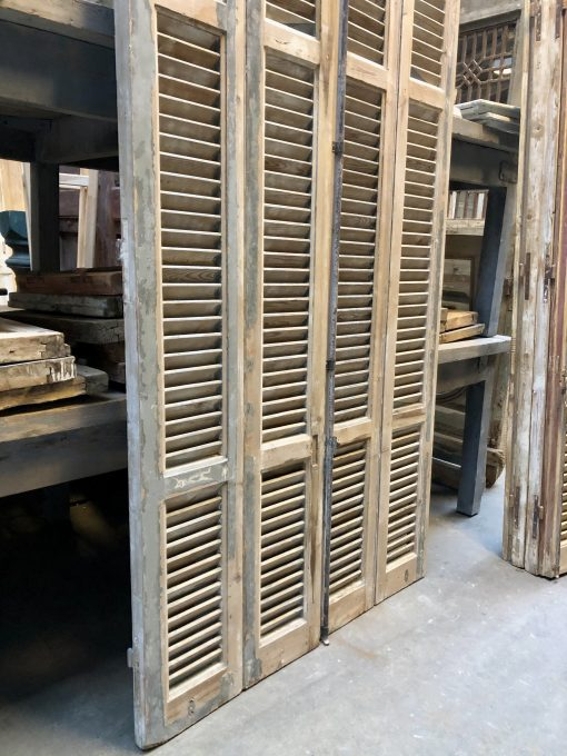 Antieke grijze louvre luiken / shutters hxb 210×116 cm za